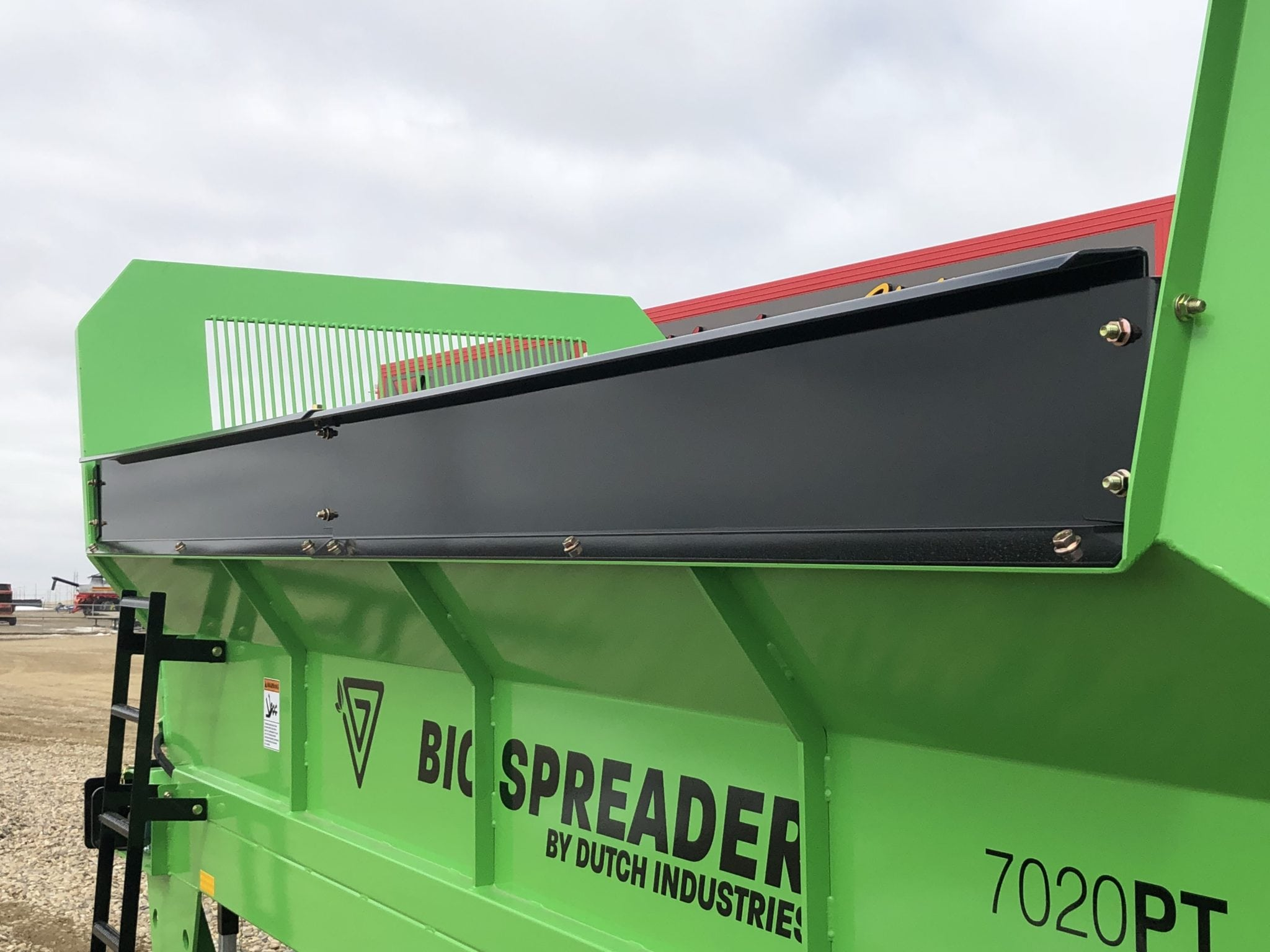 Dutch-BioSpreader-Side-Extensions-Manure-Spreader
